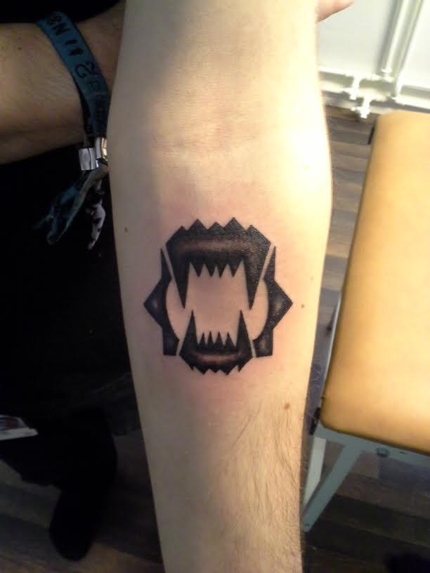 Symboler for Pain symbol tattoo